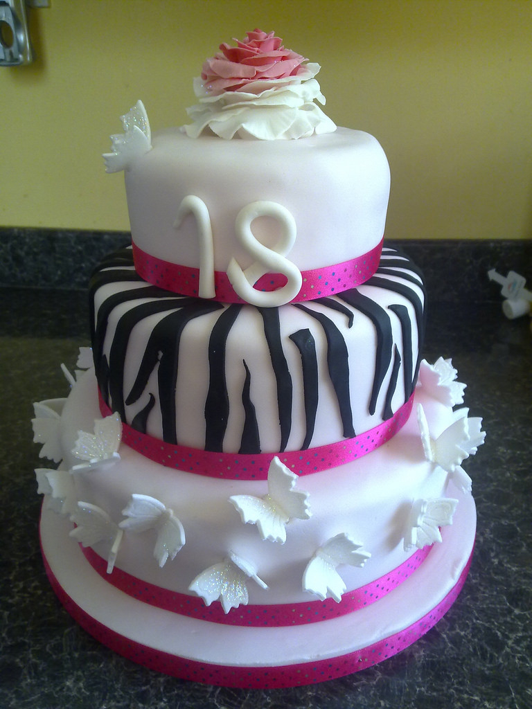 18Th Birthday Cake Designs Girly 18th Birthday Cake 18th Birthday Cake For A Friends Flickr