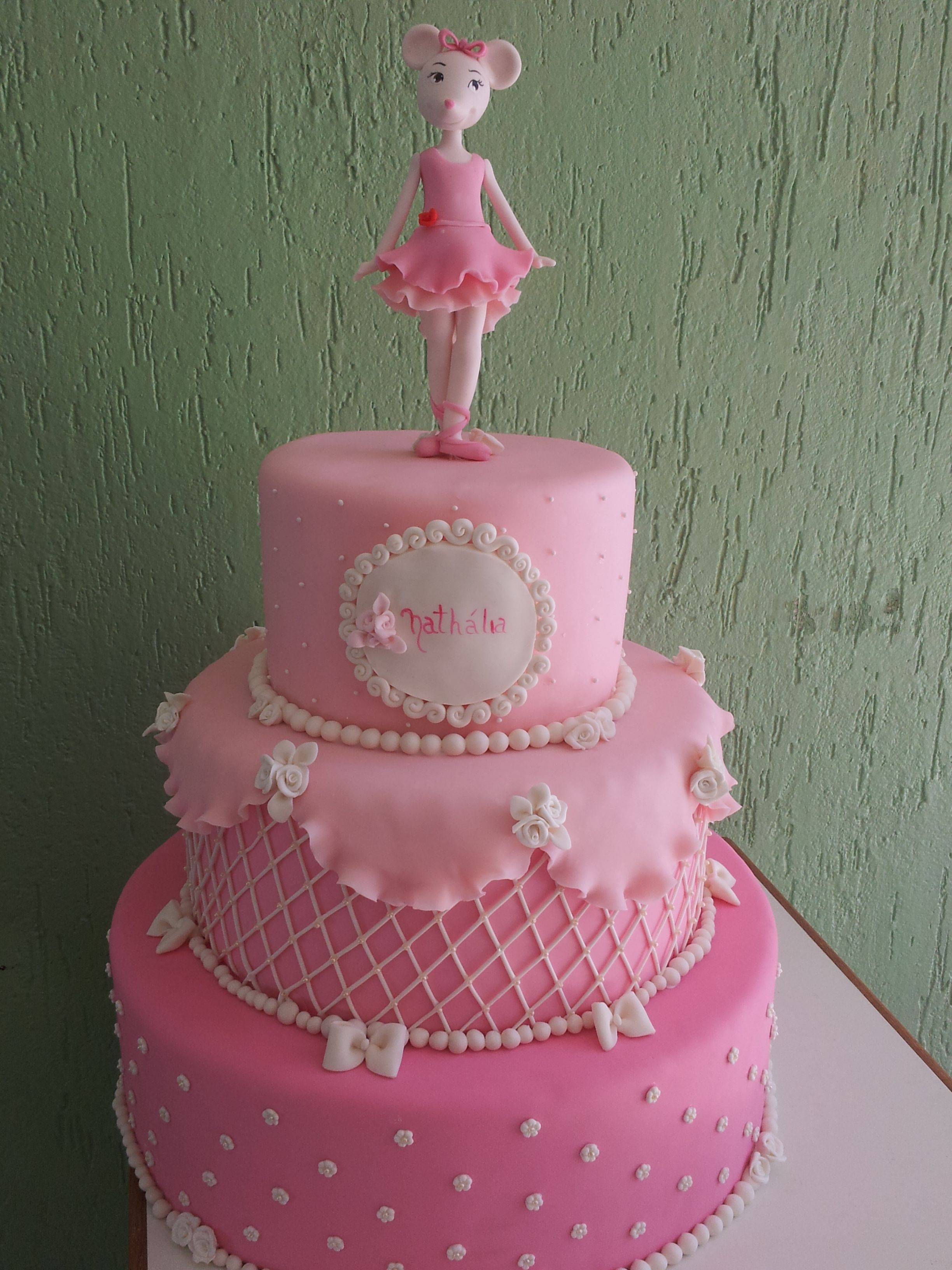 Ballerina Birthday Cake Too Big For Our Plan And Replace Angelina Ballerina Party Ideas