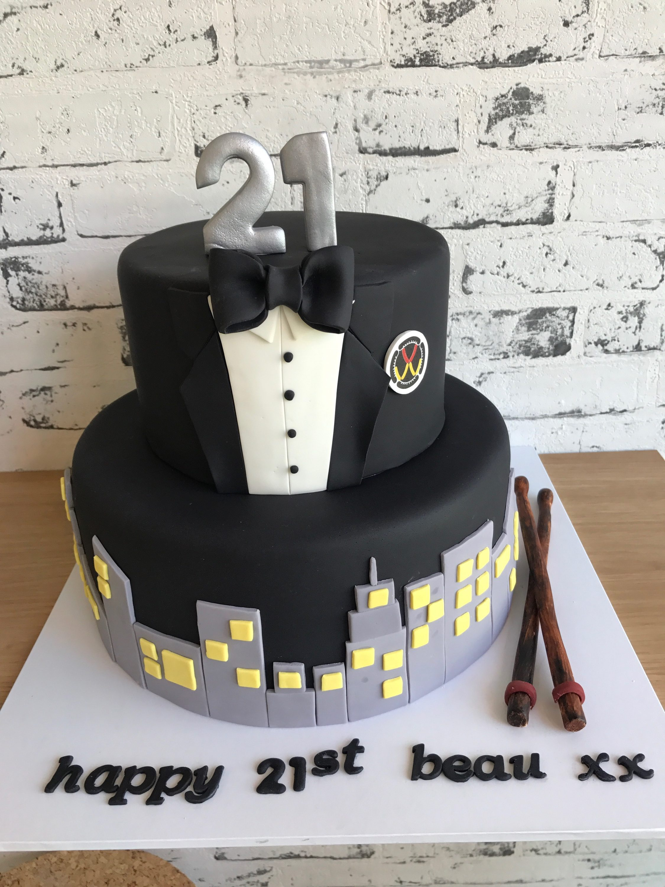 Birthday Cake Designs For Adults Adult Cakes Kiss Me Cake Designer And Speciality Cakes