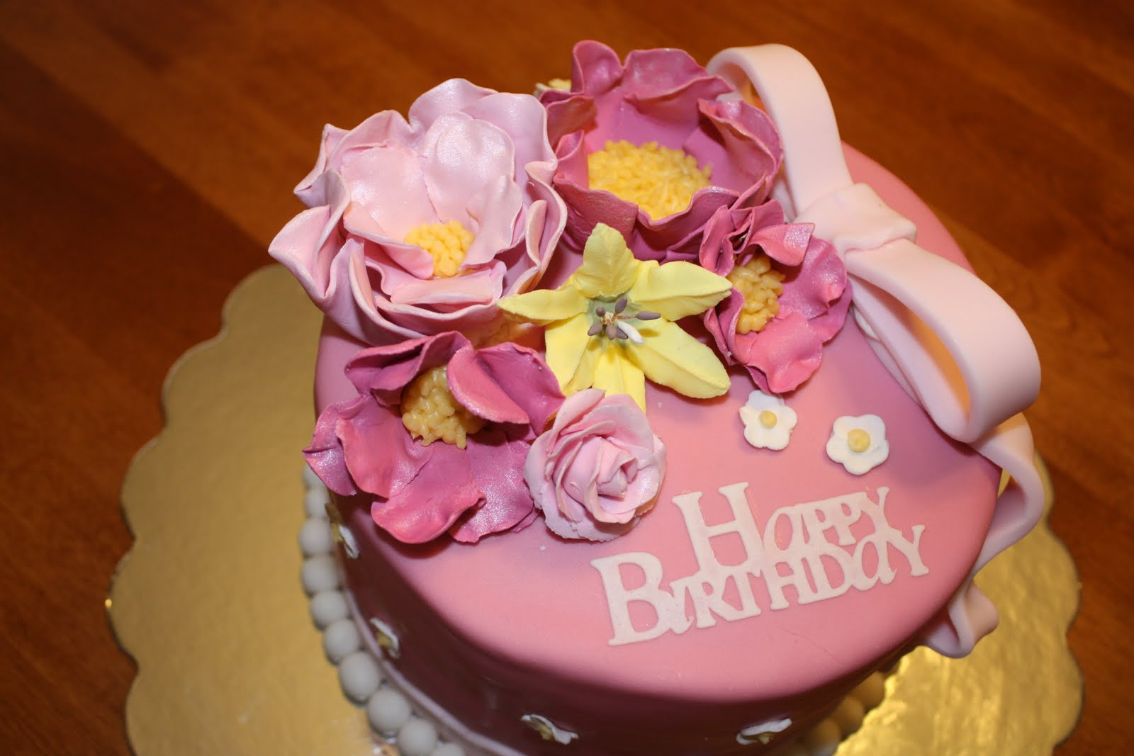 1600 1067 In 30 Brilliant Picture Of Birthday Cake With Flowers Happy And Flower For The