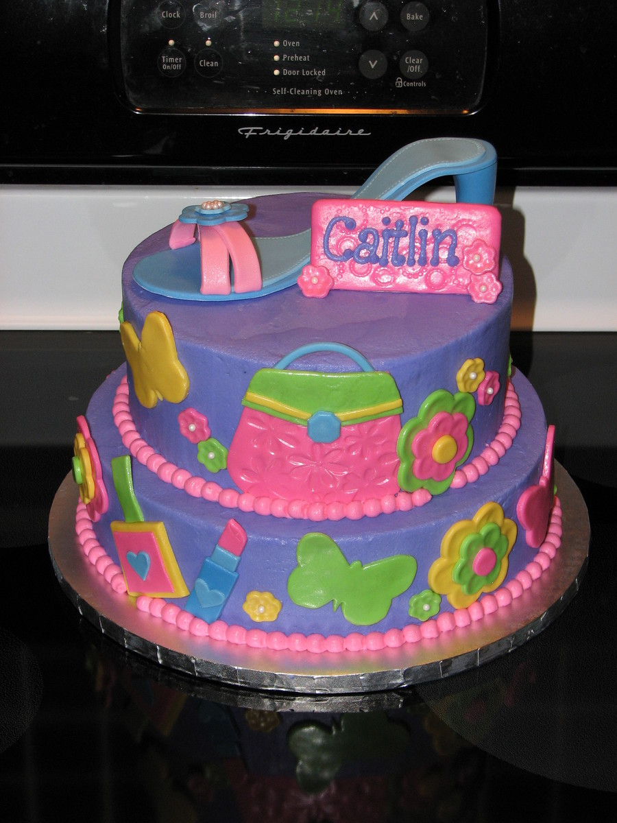 Birthday Cakes For 8 Years Old Girl Glitzy Girl Birthday Cake Cakecentral