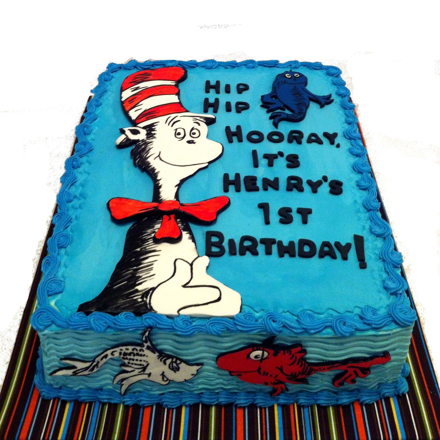 Cat In The Hat Birthday Cake May 2013 Dr Seuss Cat In The Hat And One Fish Two Fish The