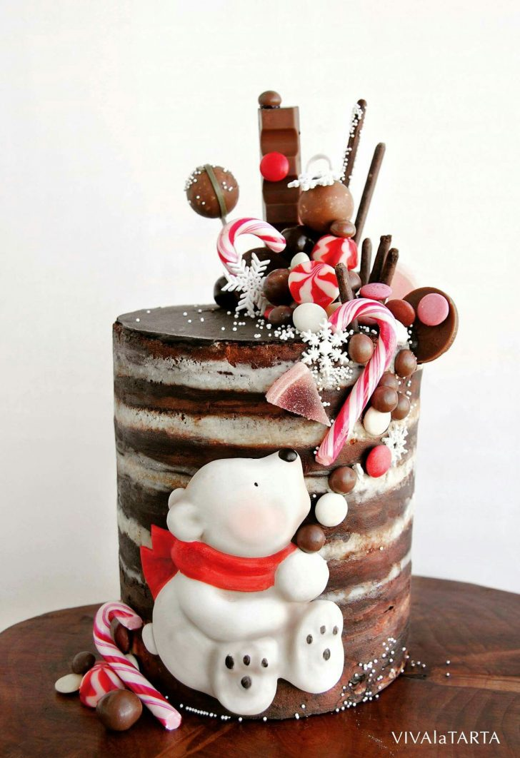 Christmas Birthday Cake Im Thinking This Could Be Turned Into A Drip Cake Very Easily
