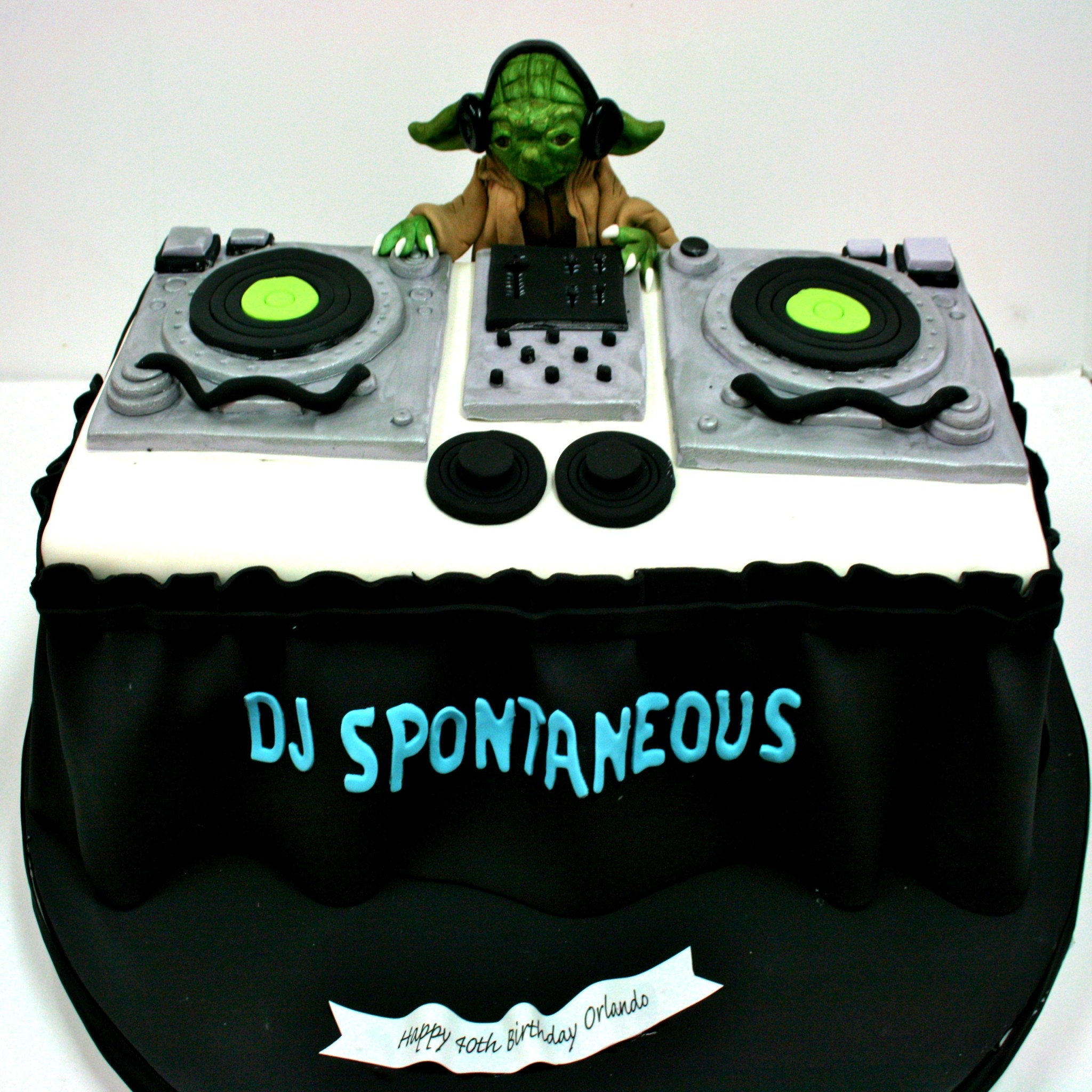 Custom Birthday Cake Cakes Nj Dj Yoda Turntable Sweet Grace