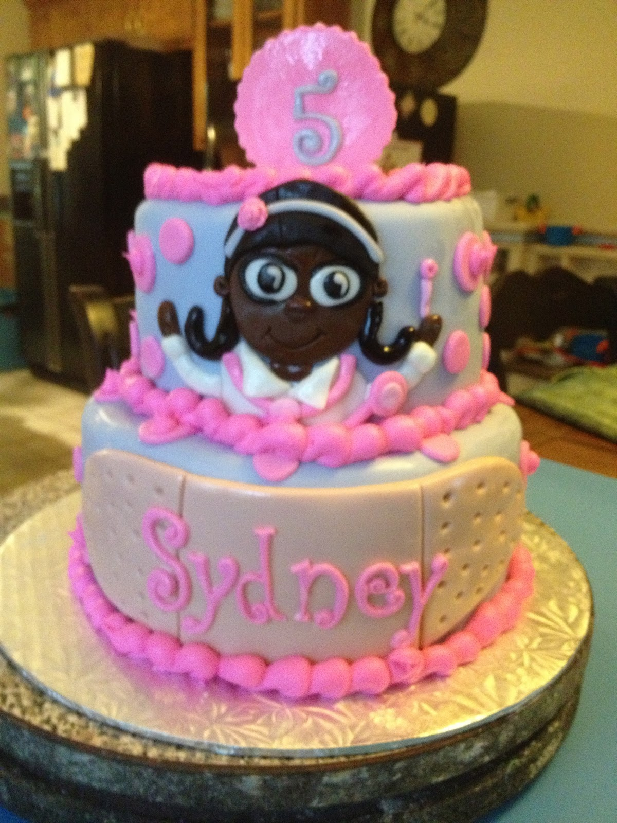 Doc Mcstuffin Birthday Cake Learning To Fly Cakes And Pastries Doc Mcstuffins Birthday Party