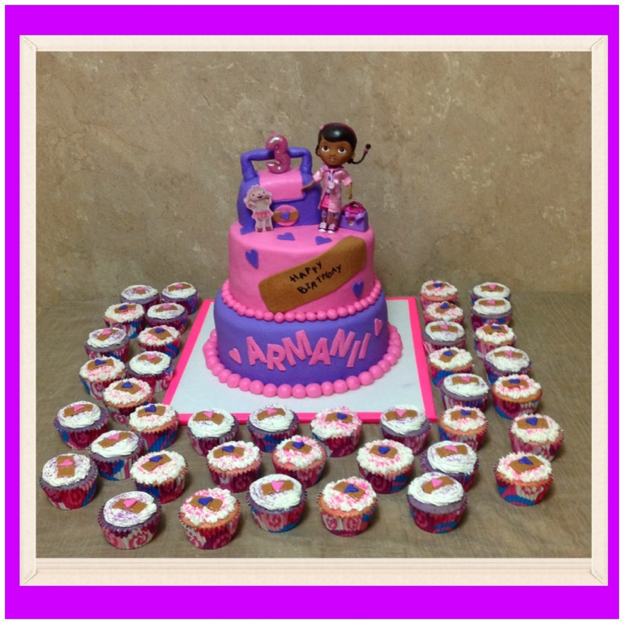 Doc Mcstuffins Birthday Cake Dr Mcstuffins Birthday Cake And Cupcakes Cakecentral