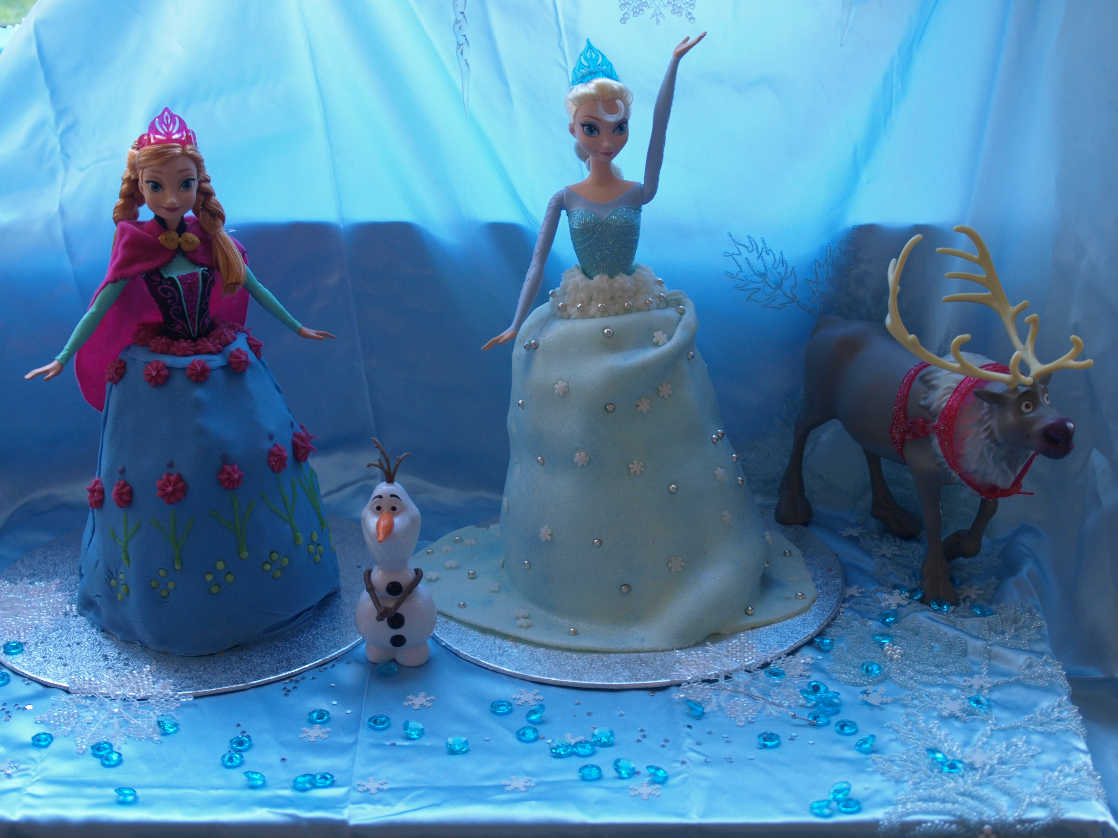 Elsa Birthday Cakes Disney Frozen Birthday Cakes Here Come The Girls