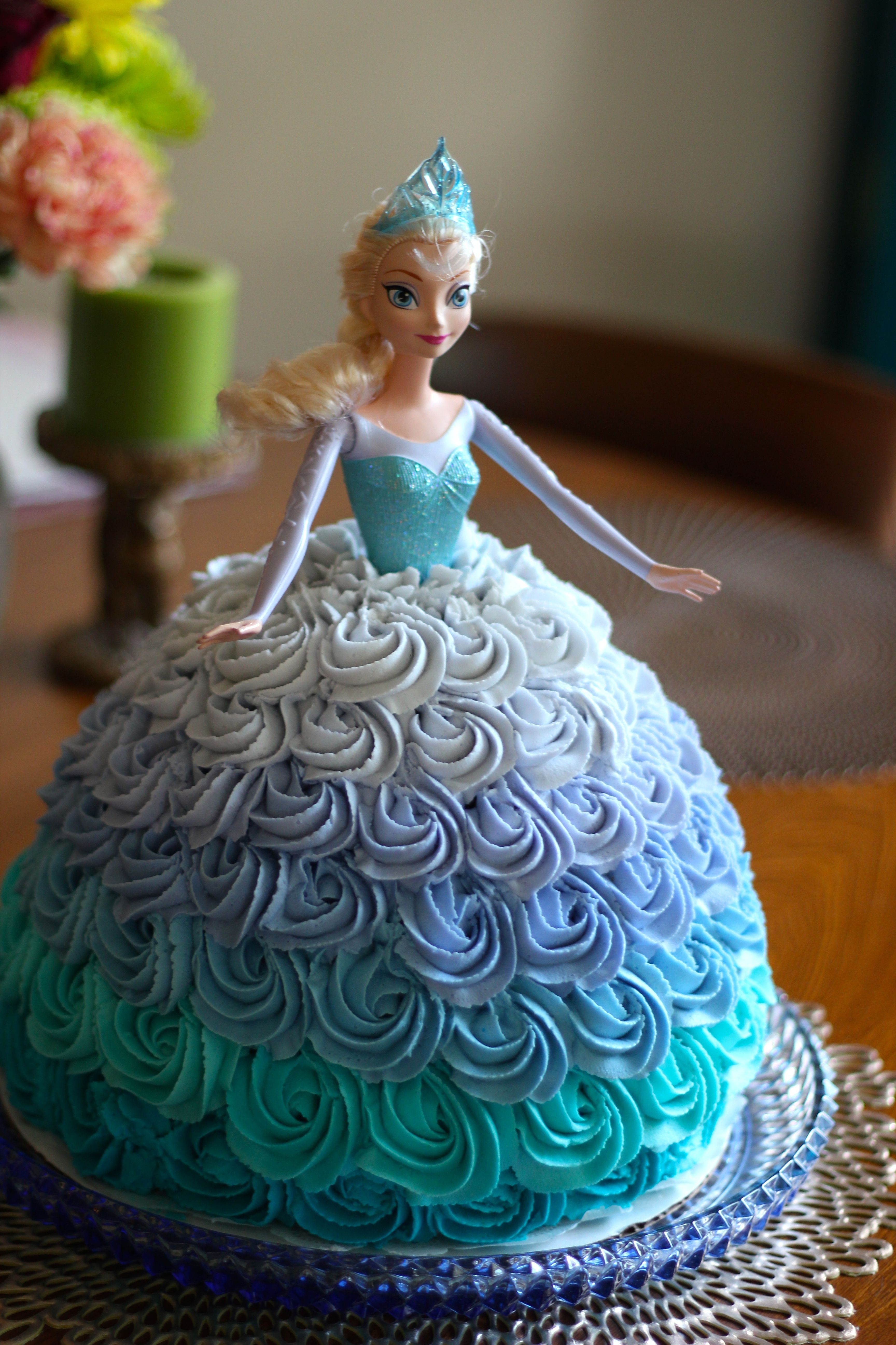 Elsa Birthday Cakes Disneys Frozen Elsa Doll Cake Made With An Ombre Rosette Skirt For
