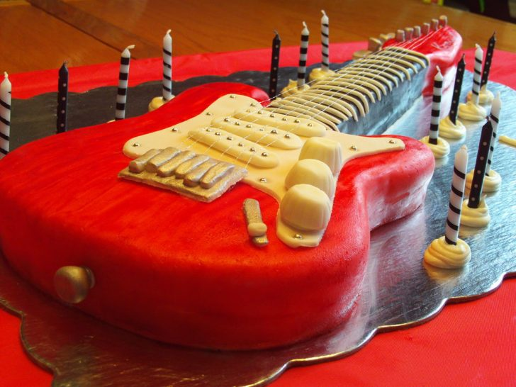 Guitar Birthday Cake Electric Guitar Cake 6 Steps With Pictures