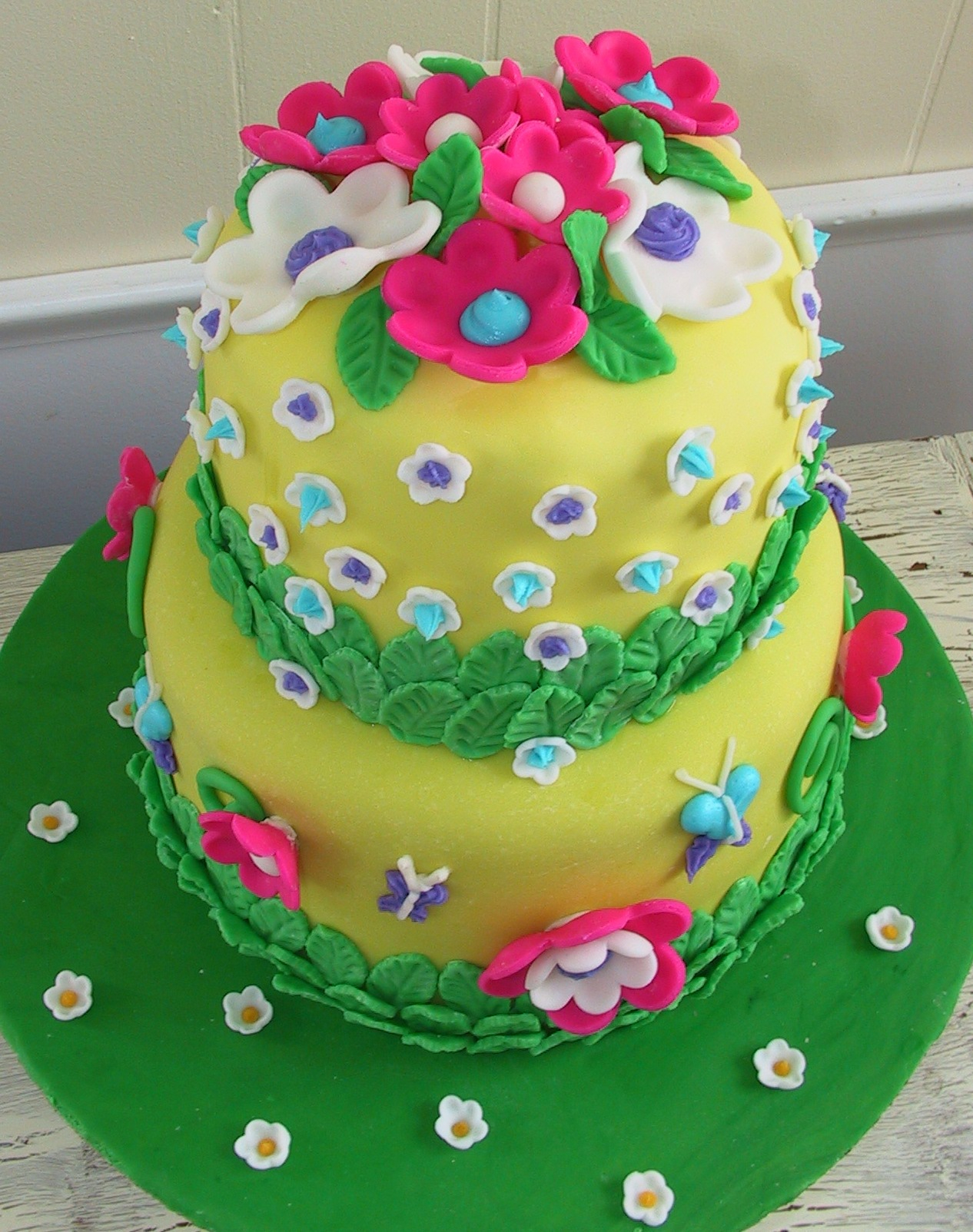 Happy Birthday Cake And Flowers Images Flower Cakes Decoration Ideas Little Birthday Cakes