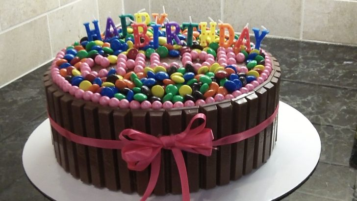 Kit Kat Birthday Cake Kit Kat Birthday Cake For My Daughters 10th Oreo Cookie Chocolate