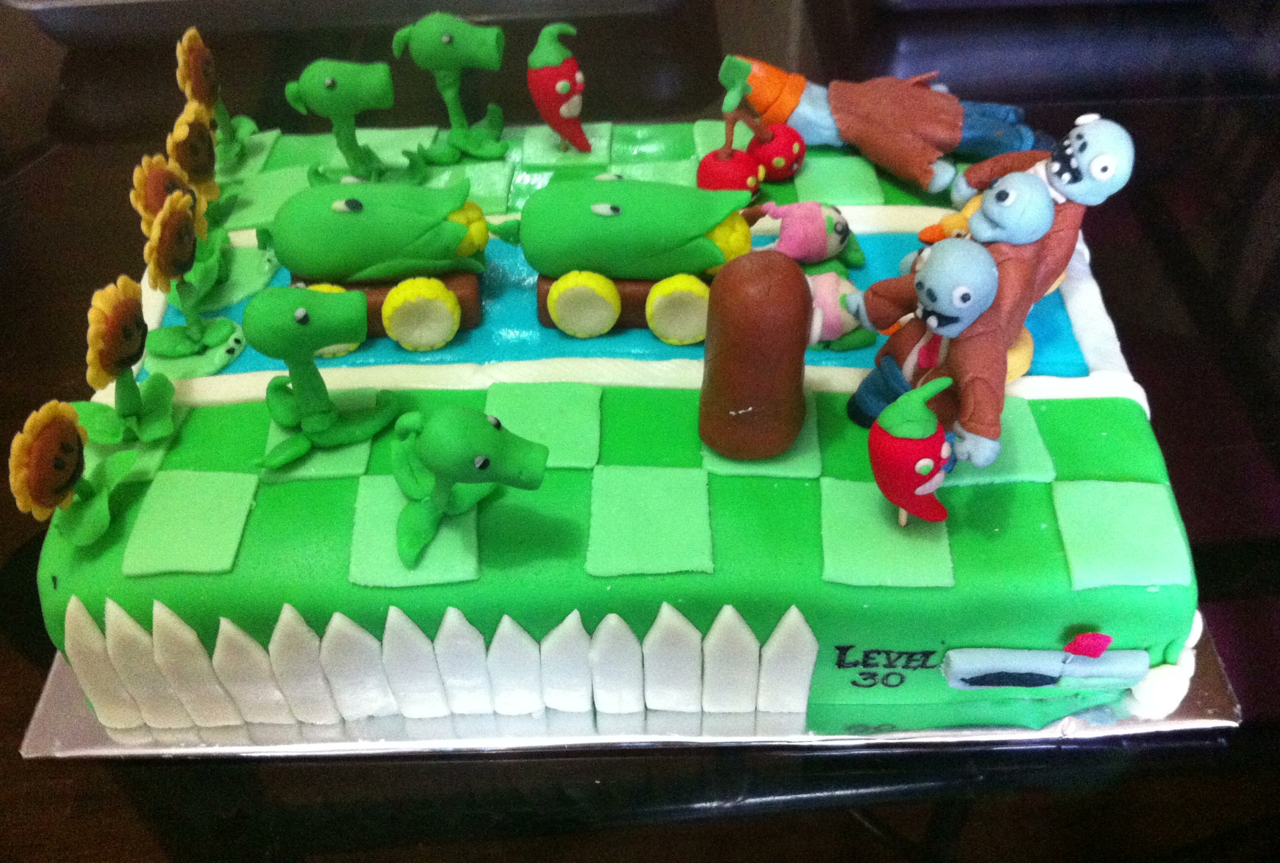 2583 X 1741 In 34 Exclusive Picture Of Plants Vs Zombies Birthday Cake
