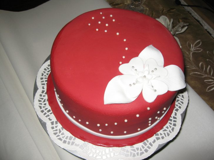 Red Birthday Cake Red Elegant Birthday Cake Cakecentral