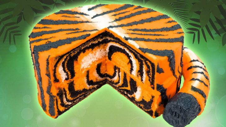 Tiger Birthday Cake How To Make A Tiger Cake From Cookies Cupcakes And Cardio Youtube